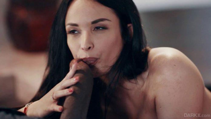Darkx Anissa Kate Buxom Beauty